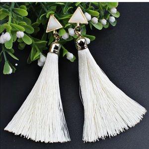 Jewelry - 💎 White Long Fringe Tassel Dangle Drop Earrings